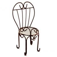 Металлический мини стул с сердцевидной спинкой
